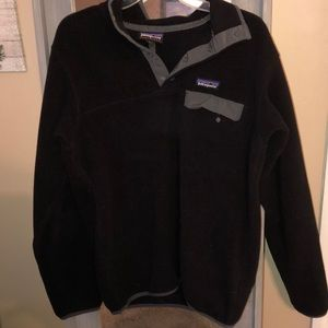 Black Patagonia pullover size medium